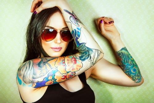 蛇 意味 モチーフ 刺青 タトゥー 色